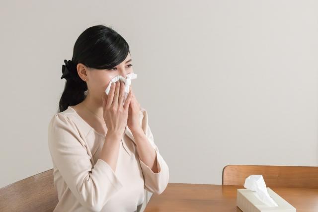 「風邪」による喉の痛みの正体は?